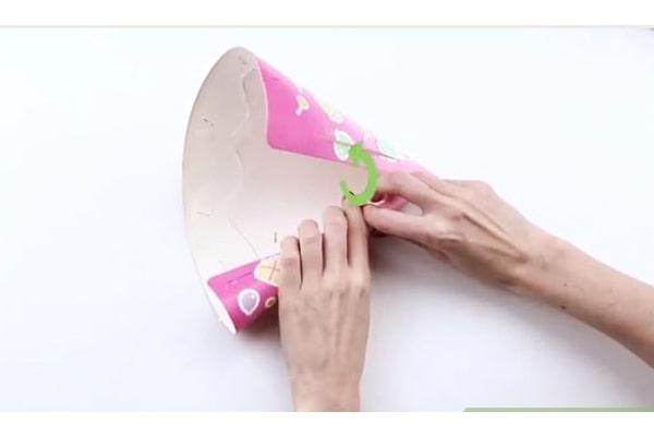 لوله کردن کلاه تولد-