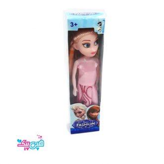 عروسک کوچک آنا